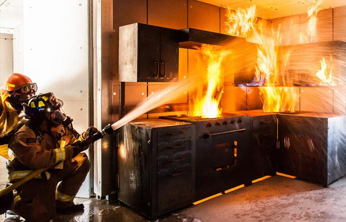 Brandsanering - Vi hjälper dig med sanering efter brand - Avfukta24